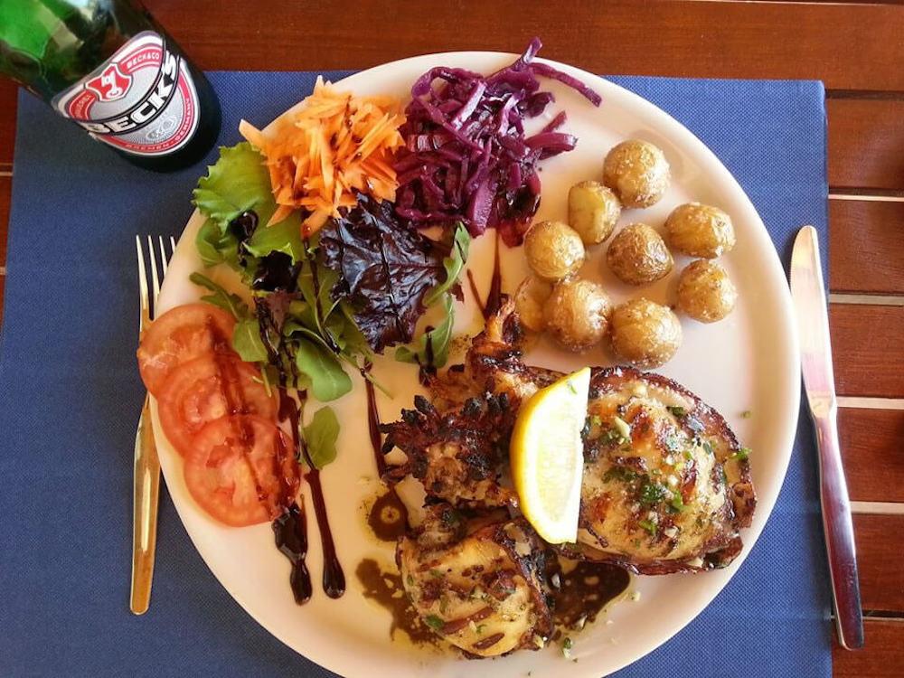 Surfcamp in Algarve chicken , potatoes and salad