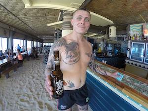 bar-surf-resort-fiji
