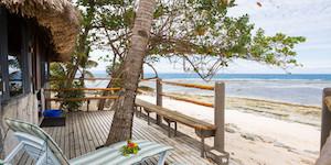 beachfront-accommodation-fiji-surf-resort