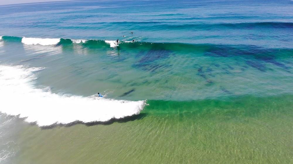 Surfcamp in Algarve wave set