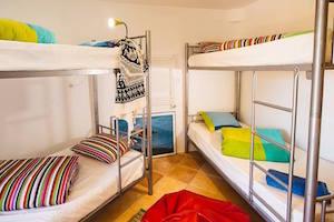 shared-dorm-lisbon-surf-house-guincho