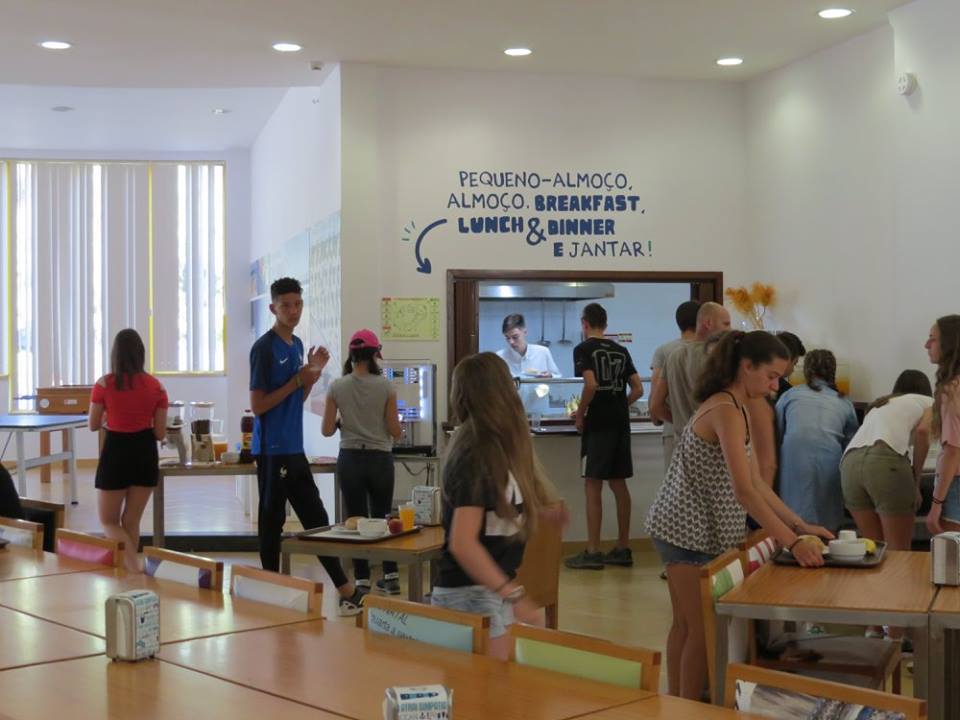 Surf-School-Teens-Camp-Lisbon-breakfast