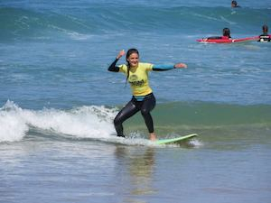Surf-School-Teens-Camp-Lisbon-in-between-surf-sessions-beginners-lesson