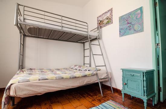 bunk-bed-bungalow-algarve-kitesurf-camp-1