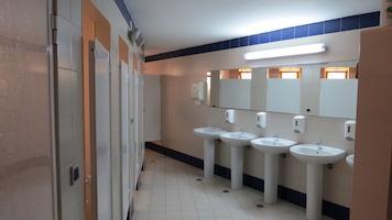 Surf-School-Teens-Camp-Lisbon-bathroom