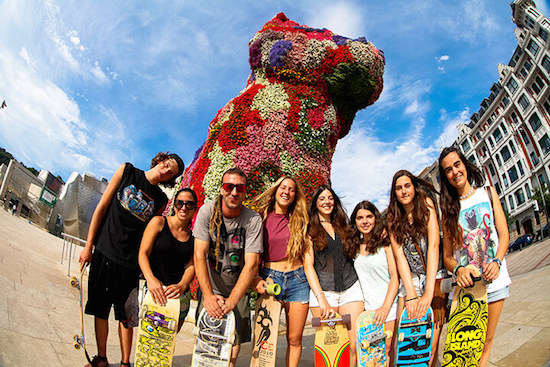 day-off-visiting-bilbao-teens-surf-camp