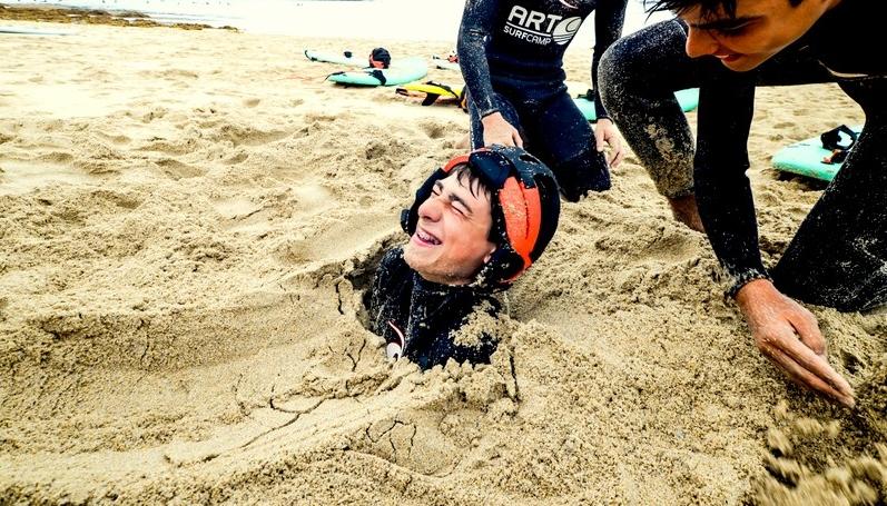 fun-beach-sand-game-galicia-teens-surf-camp