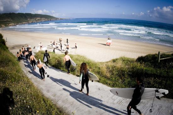 Way to beach surfing - Galicia Teens Surf Camp