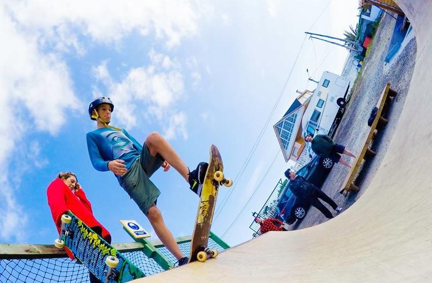 Boy skate mini ramp - Galicia Teens Surf Camp
