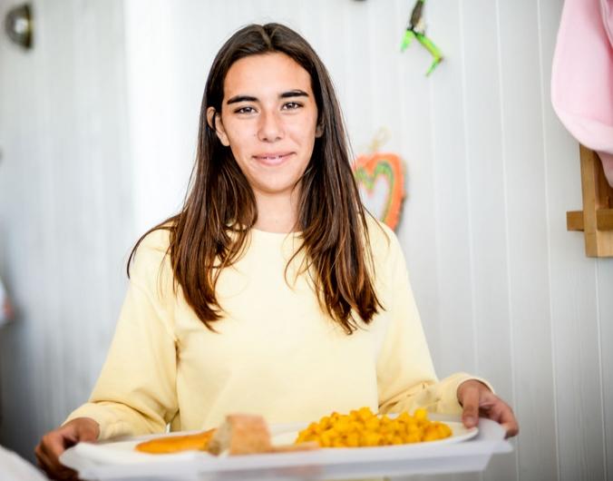 girl-tasty-food-galicia-teens-surf-camp