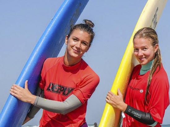 girls-surfboards-algarve-kitesurf-camp-1