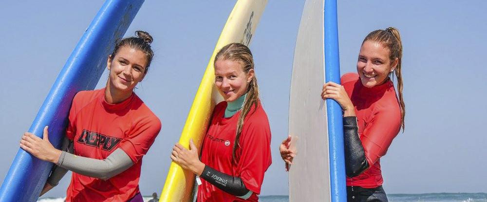 girls-surfboards-algarve-kitesurf-camp