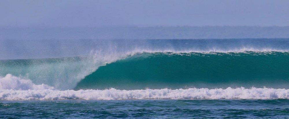 Wave breaking in G-Land