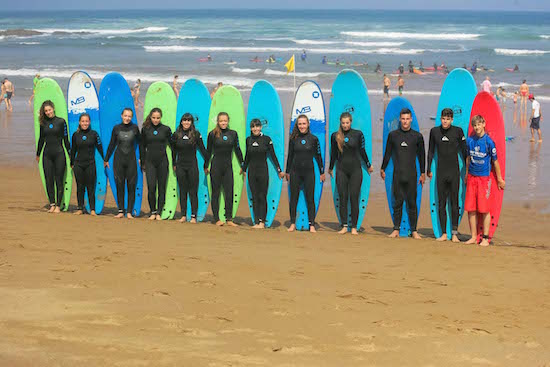 group-photo-bilbao-teens-surf-camp