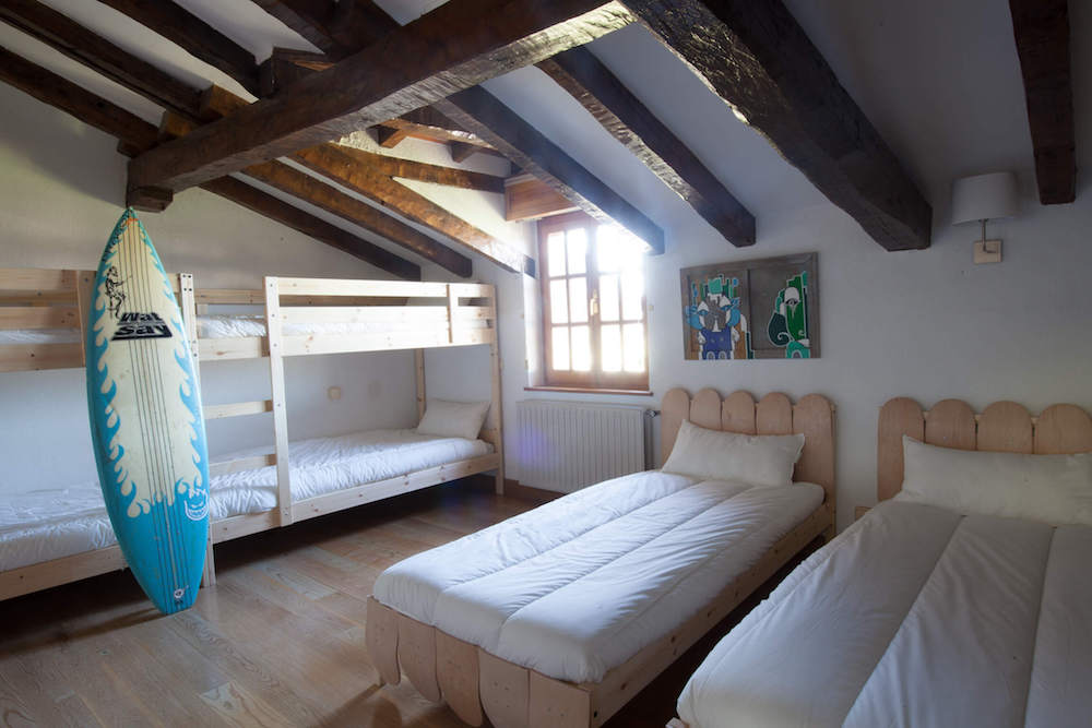Bilbao Teens Surf Camp 6 beds shared room