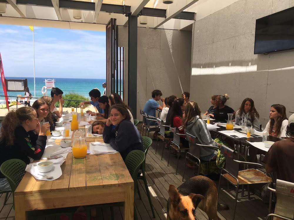 Surf School Teens Camp Lisbon Lunch time