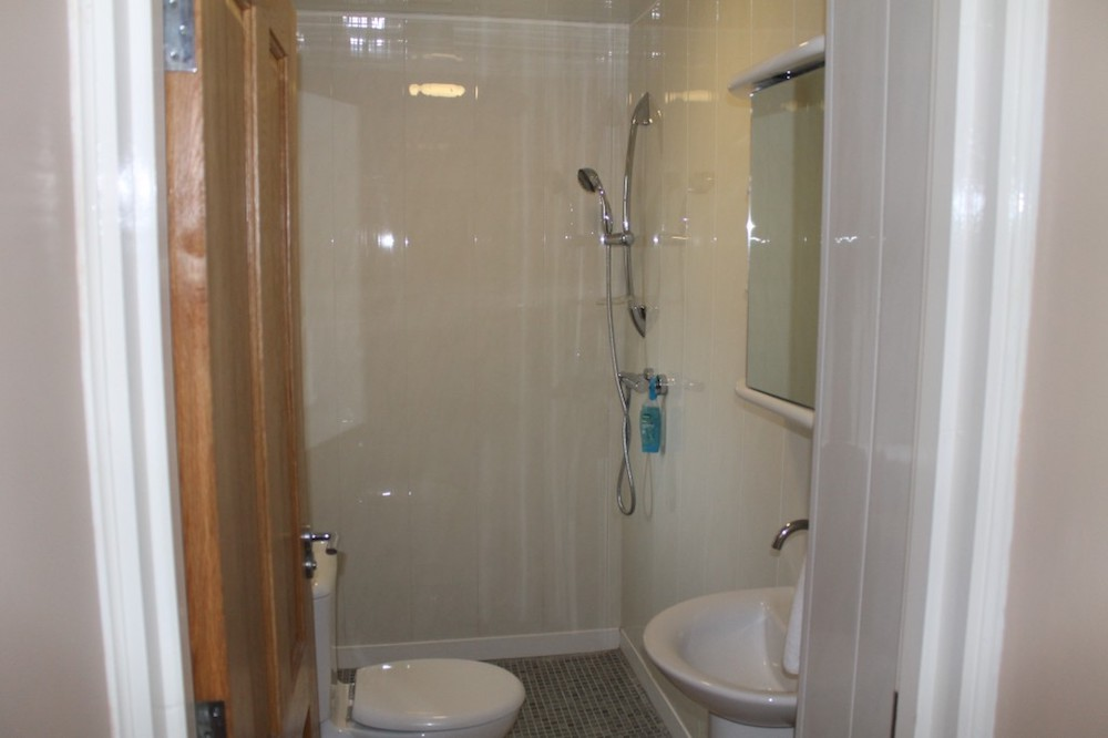 Ireland Kids Summer Surf Camp residential accommodation bathroom