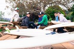 kids-chilling-bilbao-teens-surf-camp