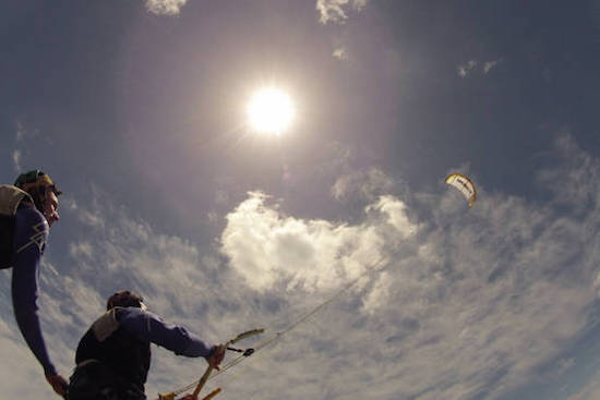 kite-flying-algarve-kitesurf-camp-1