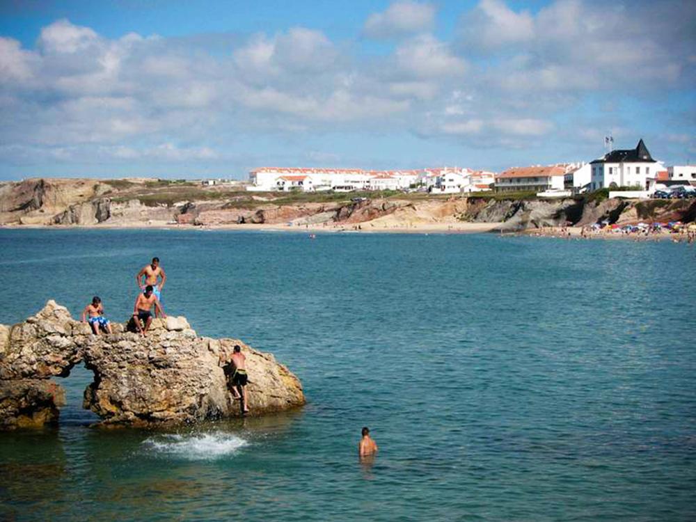 lagide surf castlecliff jumping