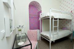 lisbon-surf-camp-cascais-accomodation-sao-pedro-do-estoril-bunk-beds-girls
