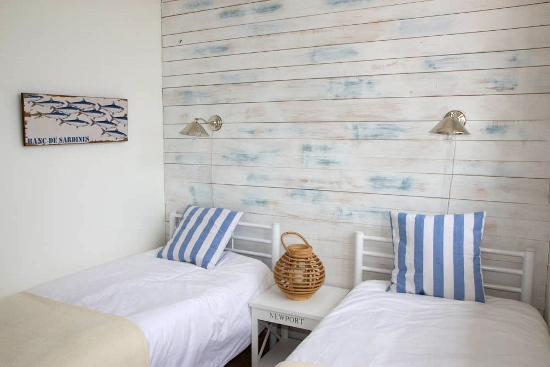 lisbon-surf-camp-cascais-accomodation-sao-pedro-do-estoril-twin-room