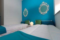 lisbon-surf-camp-cascais-accomodation-sao-pedro-do-estoril-twin-room-blue