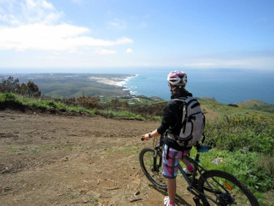 lisbon-surf-camp-cascais-biking-the-coastline