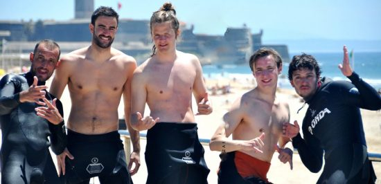 isbon-surf-camp-cascais-group-of-surfers