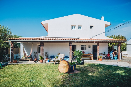 lisbon-surf-camp-cascais-guincho-country-surf-house-cascais