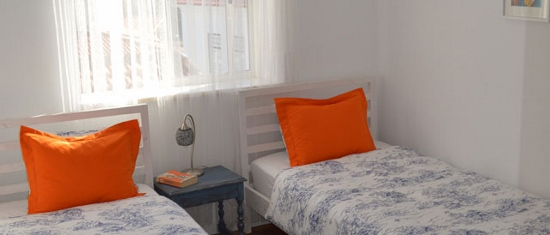 lisbon-surf-camp-cascais-hostel-cascais-center-room-with-twin-bed