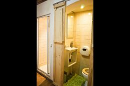 lisbon-surf-camp-cascais-lisbon-bairro-alto-bunk-bed-bathroom