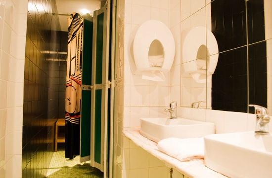 lisbon-surf-camp-cascais-lisbon-bairro-alto-bunk-bed-bathroom-with-shower