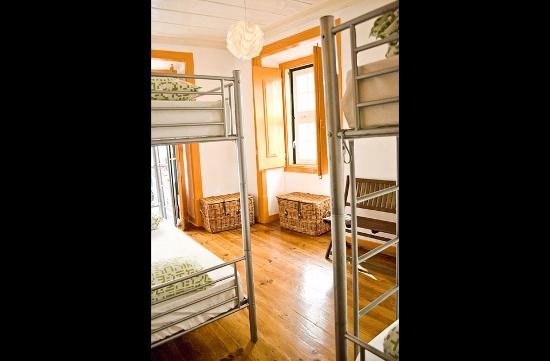 lisbon-surf-camp-cascais-lisbon-bairro-alto-bunk-bed-room