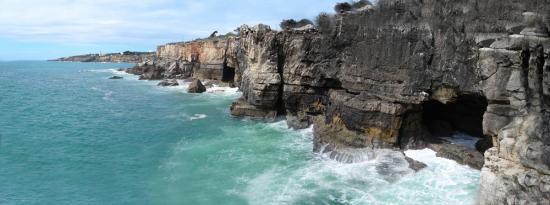 lisbon-surf camp-cascais - estoril coast rocks