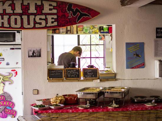 lunch-buffet-algarve-kitesurf-camp-1