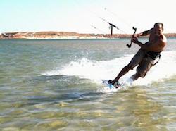 men-kitesurfing-algarve-kitesurf-camp