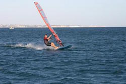 men-windsurfing-algarve-kitesurf-camp