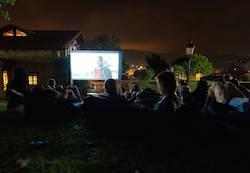 outdoor-movie-night-bilbao-teens-surf-camp
