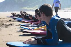 paddling-class-bilbao-teens-surf-camp
