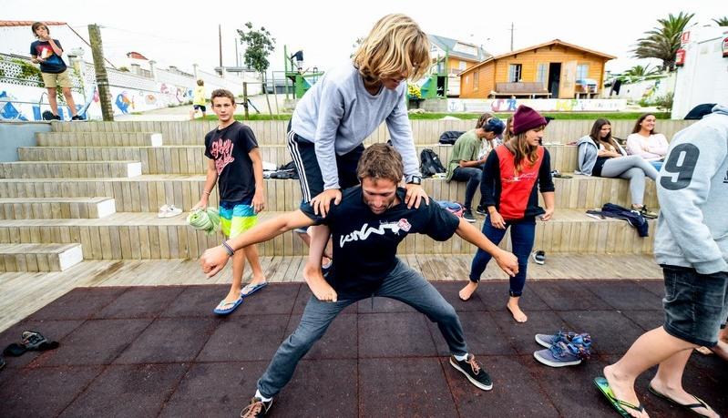 practicing-balance-strength-galicia-teens-surf-camp