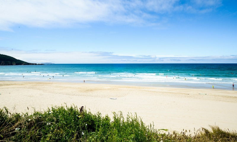 razo-beach-galicia-teens-surf-camp
