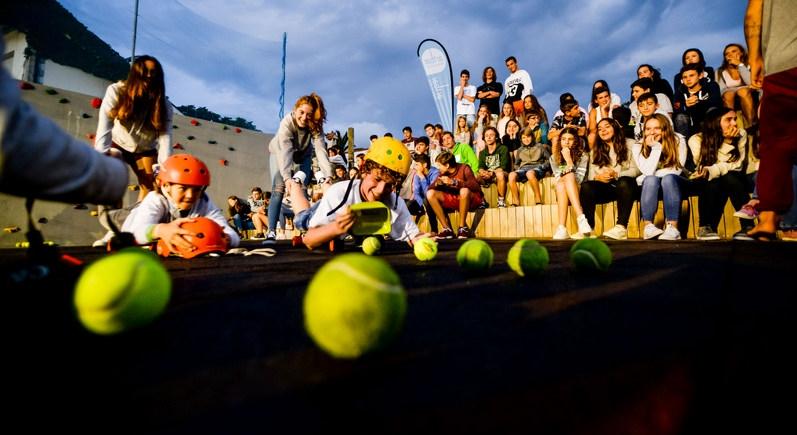 skate-ball-fun-action-galicia-teens-surf-camp