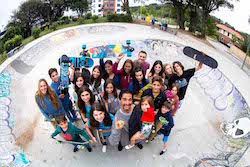 skate-group-picture-bilbao-teens-surf-camp