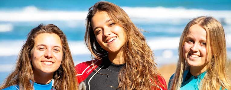 surfer girl bilbao teens surf camp