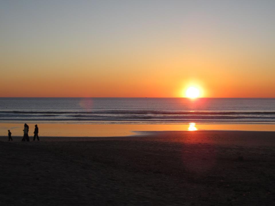 sunset-conil-beach