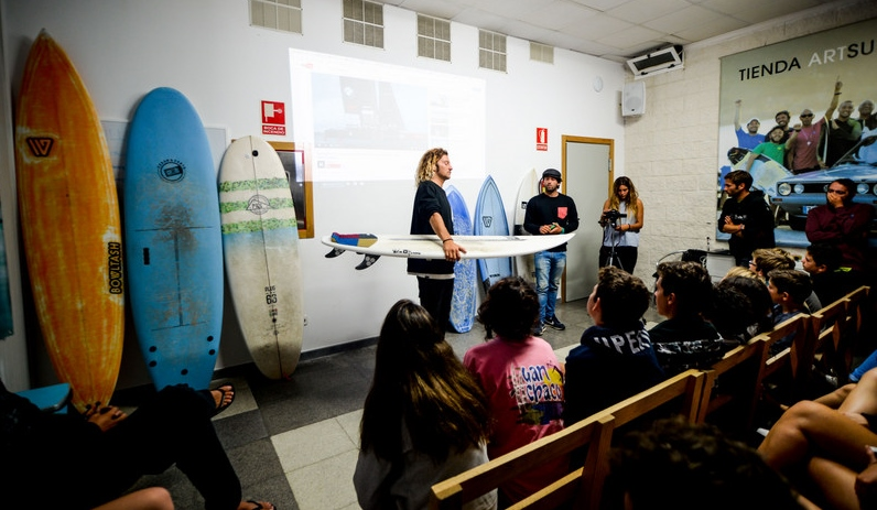 surf-board-shape-lesson-galicia-teens-surf-camp