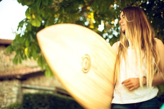 surf-girl-bilbao-teens-surf-camp-2