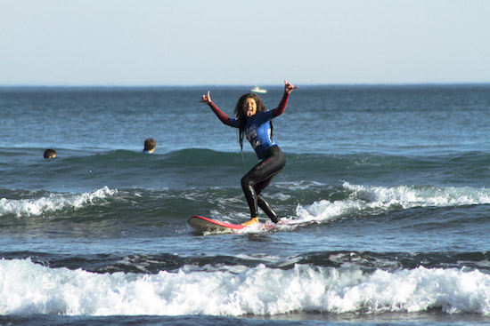 surf-girl-smile-bilbao-teens-surf-camp