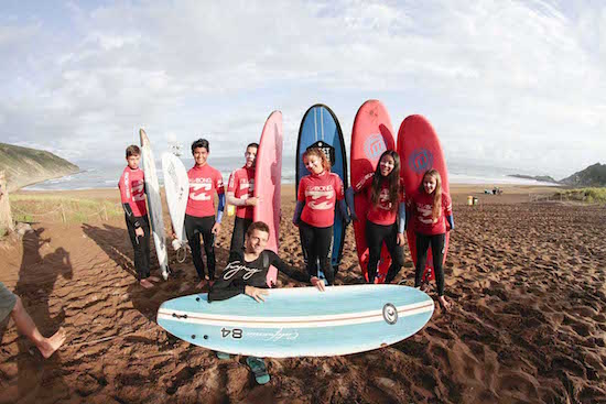 surf-group-pics-bilbao-teens-surf-camp
